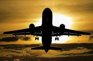 Kratší, rychlejší a levnější lety. EU chystá změnu pravidel