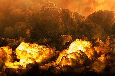 U Atén propukl velký požár, tisíce lidí jsou na útěku před plameny