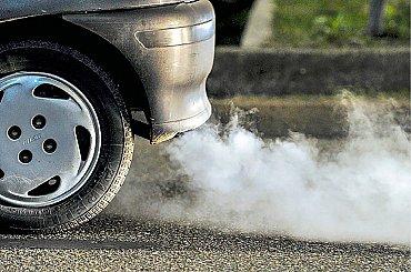 Konec spalovacích motorů plánuje už řada zemí, Česko s podporou bezemisní dopravy zatím brzdí