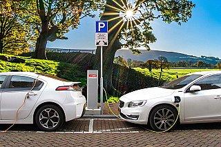 PwC: Počet aut na elektřinu se za pět let ztrojnásobí
