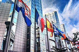 Šéfové států EU se přou, jak se vypořádat s vysokými cenami energií